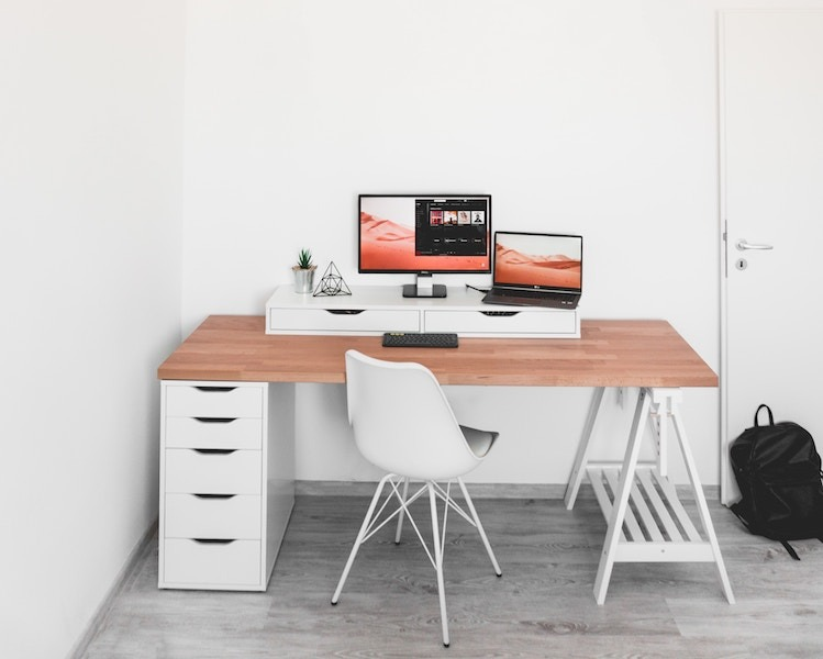 5 Simple Design Computer Monitor Stands
