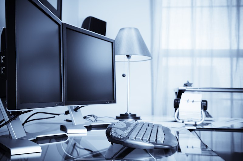 smart office setup accessories and gadgets