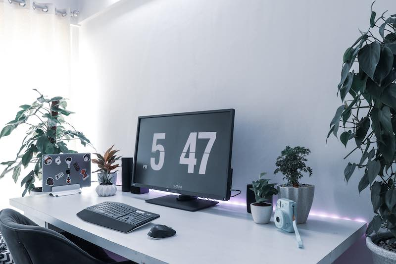 Minimalist Office - How much office space do we need?